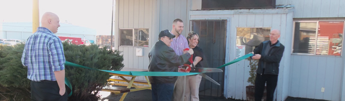 cutting-the-ribbon